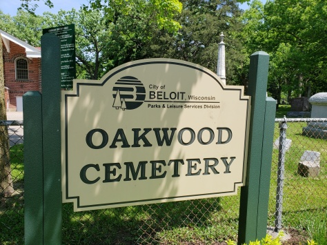 Oakwood Cemetery entrance